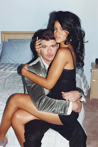Rihanna and Robin Thicke heat it up!