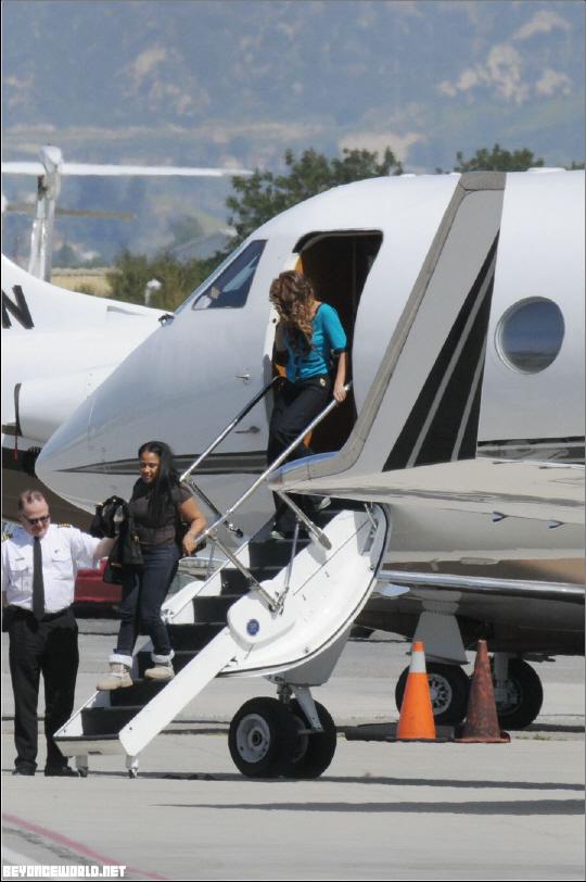 Jet Privato Beyonce : Mark zuckerberg private jet foto bugil bokep