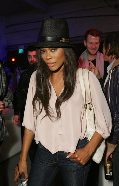 Golden Brooks - Picture Colection