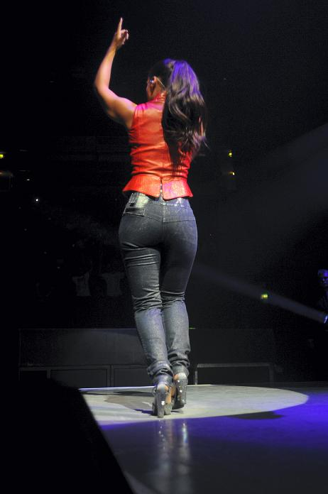 alicia keys ass