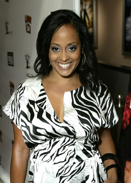 essence atkins media outrage. Black Bedroom Furniture Sets. Home Design Ideas