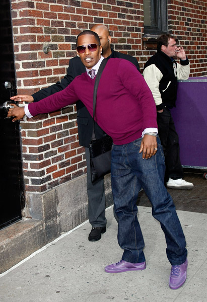 "Actor Jamie Foxx visits ""Late Show with David Letterman"" at the Ed Sullivan Theater on April 23, 2009 in New York City."