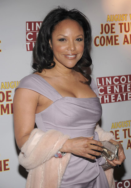 lynn whitfield husband. Lynn Whitfield, flaunted her