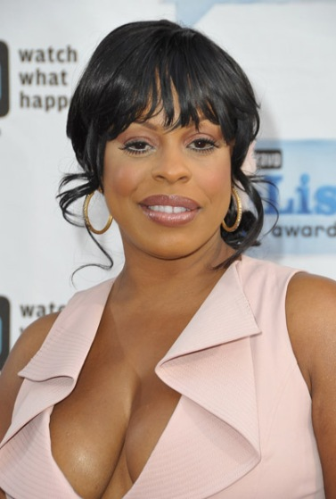 http://mediaoutrage.files.wordpress.com/2009/04/niecy-nash-c1.jpg