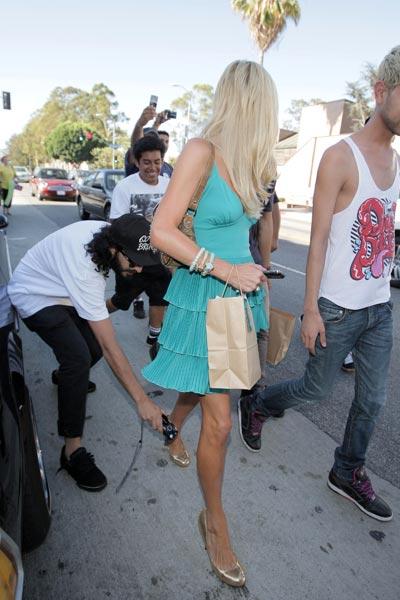 Paris Hilton l