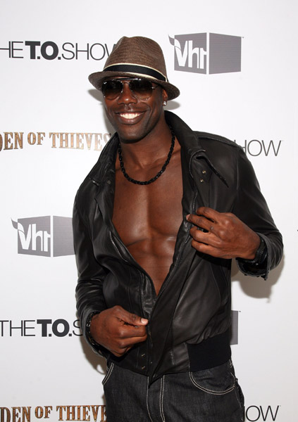 terrell owens fotos. Terrell Owens decided to show