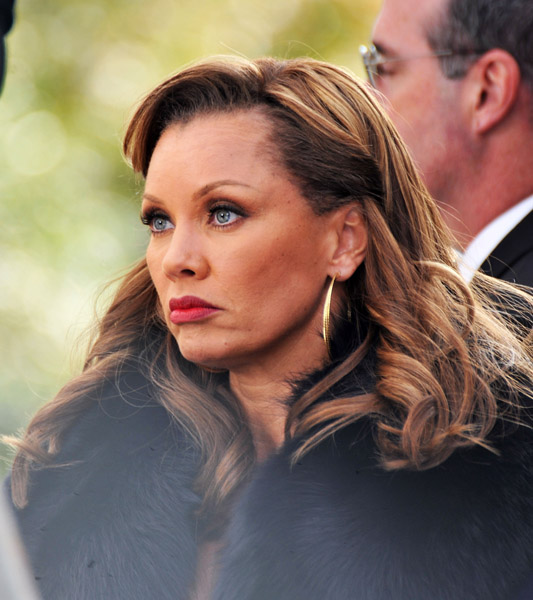 Vanessa Williams: 301 Moved Permanently